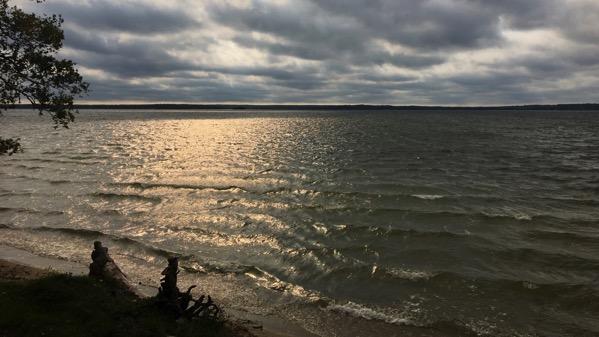 11am light on lake