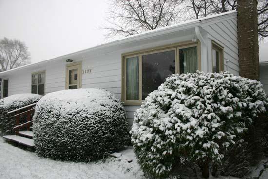 snow_house.jpg