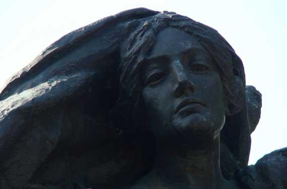 statue_at_Piedmont.jpg