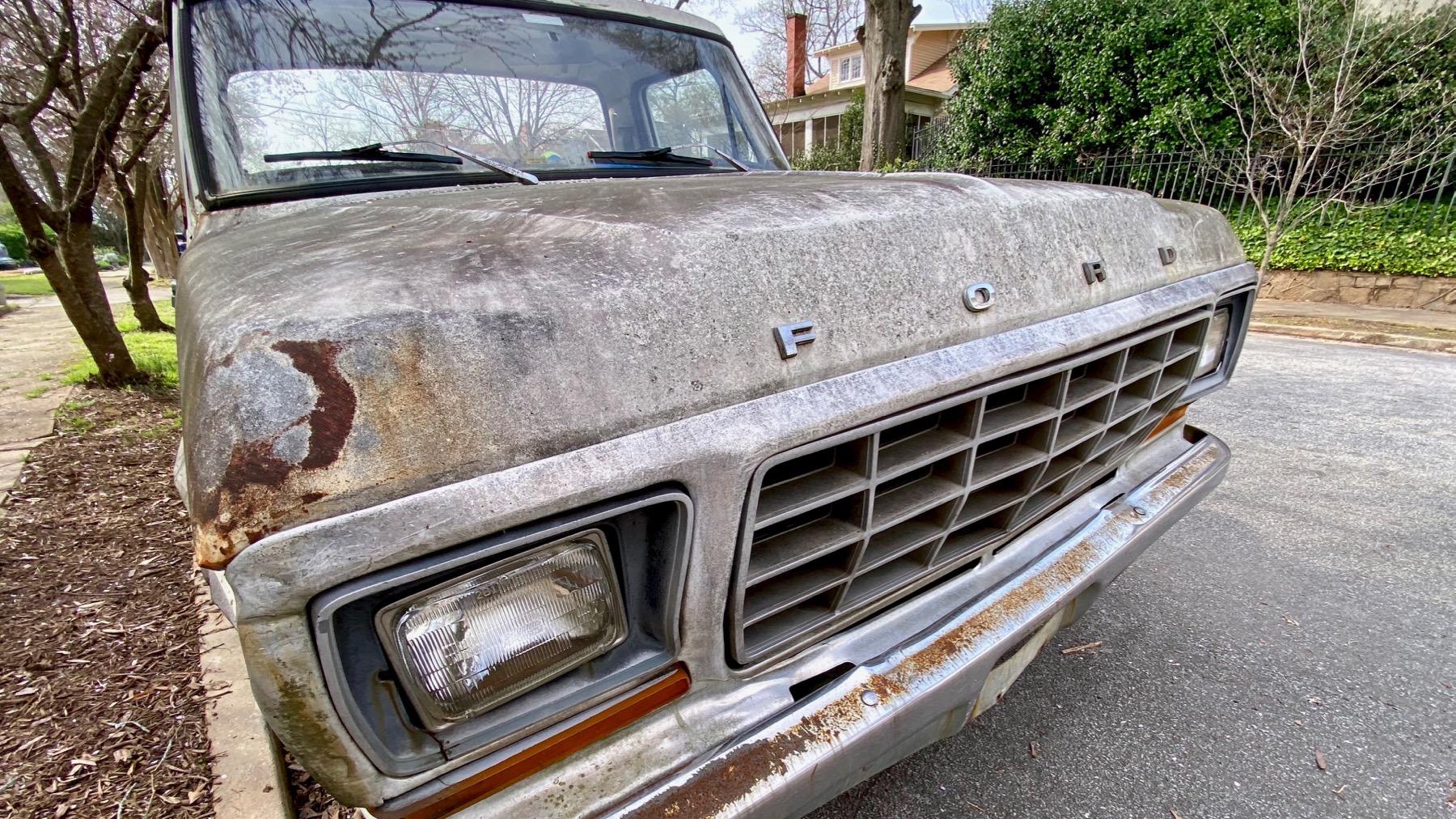 Ford moldering