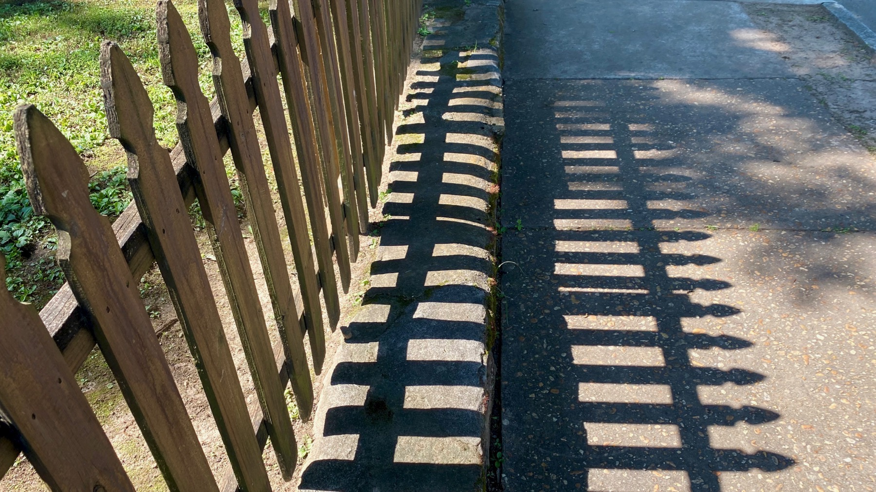 Fence shadow