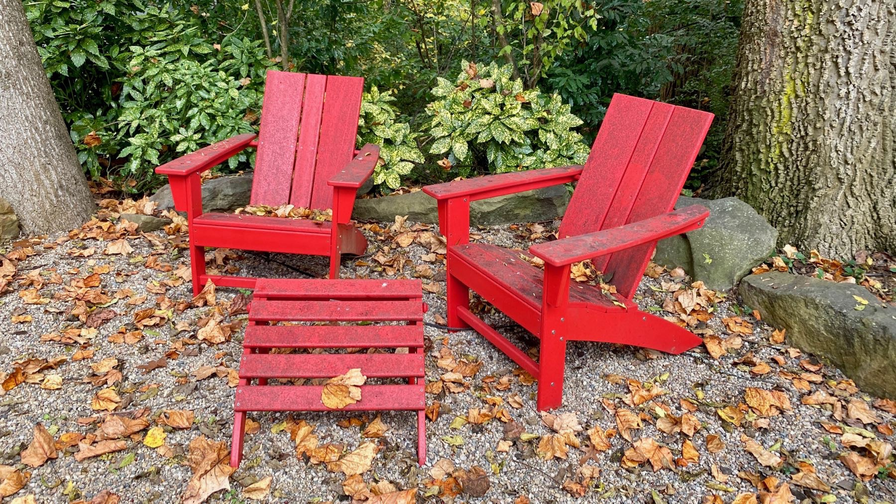 Chair pair in red