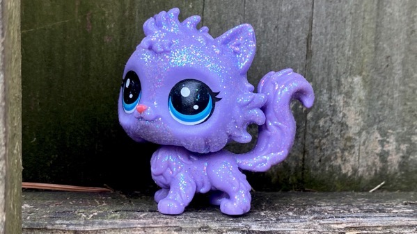 Lilac big eye