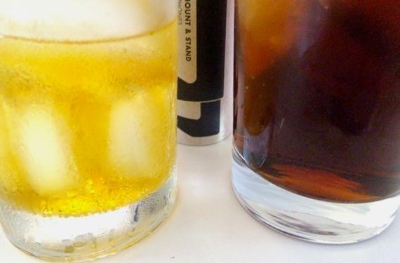 2 cocktails n glif