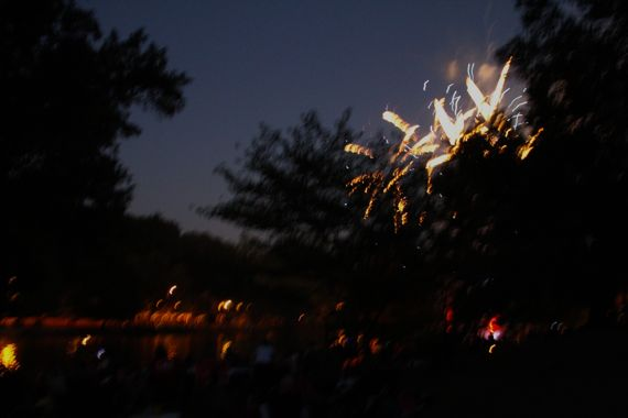 4th_fireworks_2010_on_3rd.jpg