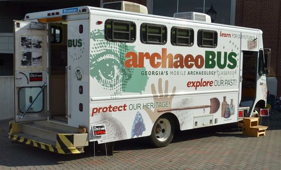 ArchaeoBus_in_Athens_2010_Oct.jpg