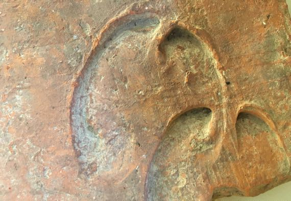 Chedworth ox hoofprints rooftile