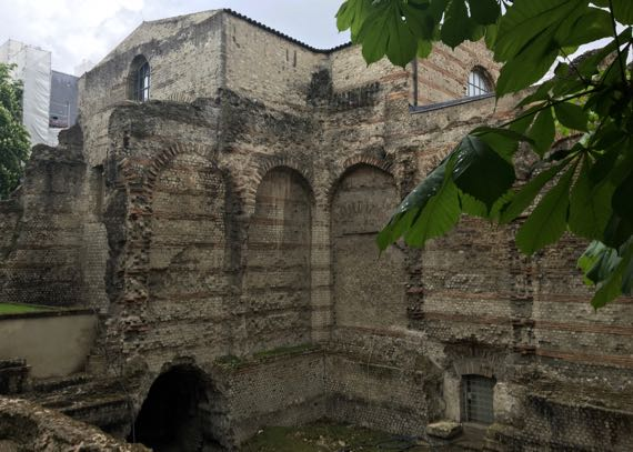 Cluny ruins thermae