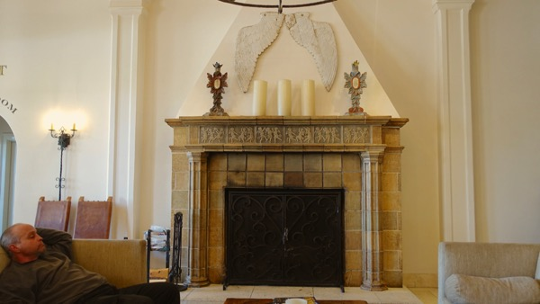 Hotel StFrancis lobby fireplace