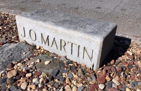 Martin mounting block
