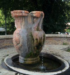 Monte Testaccio fountain
