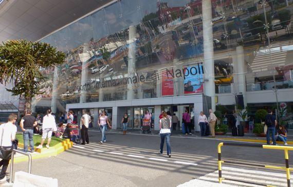 Napoli Intl entrance