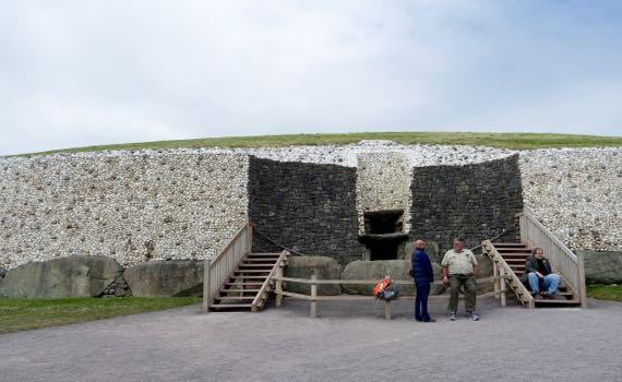 Newgrange entry