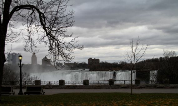 Niag falls am falls cloudy morn