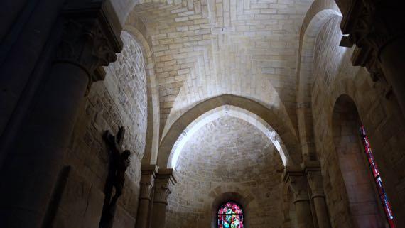Saint Pierre right chapel ceiling