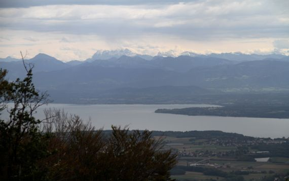Sern Lake Geneva from N vistaview