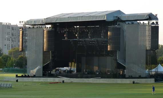 Sir_Pauls_stage.jpg