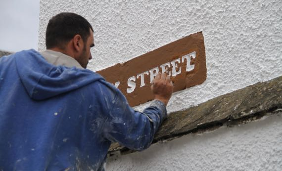 St Andrews sign maintenance