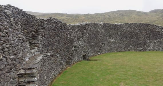 Staigue fort interior