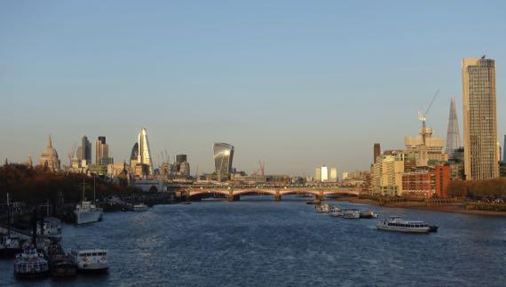 Thames dying light