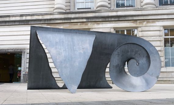 Ulster Museum outdoor sculpture