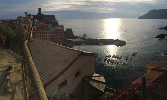 Vernazza harbor sunset