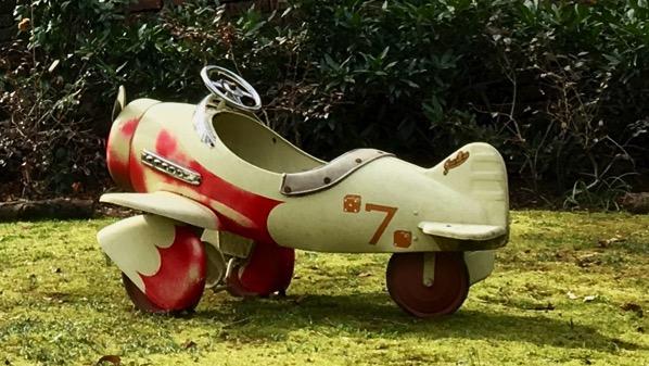 Airplane toy yardart