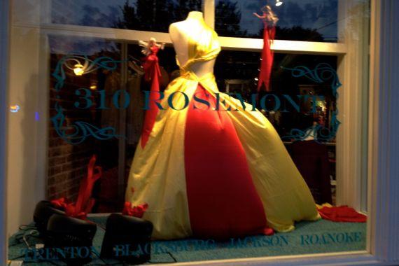 Balloon gown window dressing