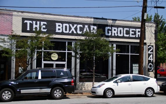 Boxcar groc from across the street
