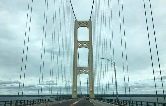 Bridge crest