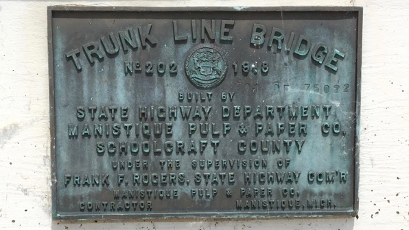 Bridge plaque
