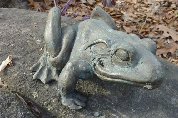 bronze_frog_or_toad.jpg