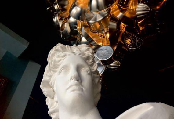 Bust chandelier