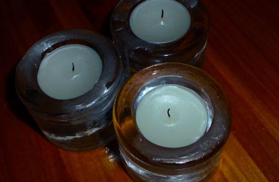 Candle trio on bob table