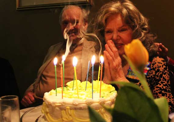 candles_that_relight_birthday.jpg
