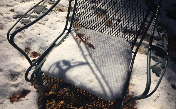 Chair w snow