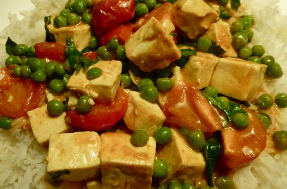 Fakey fakey thai curry tofu