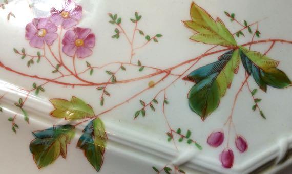 Floral ceramic