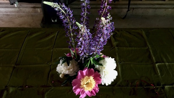 Flowers table