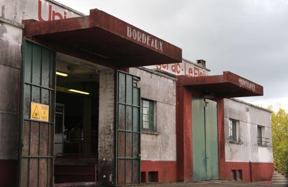 Grape dumping factory