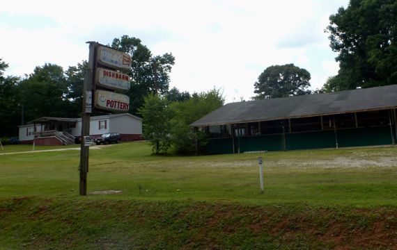 Hollywood ga bills dish barn closed