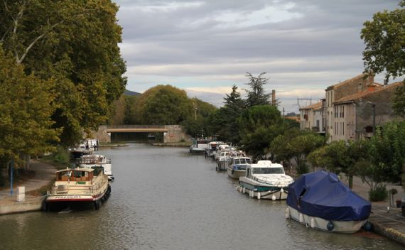 Homps pleasure boats canal midi