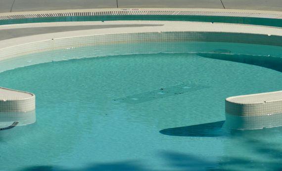 pool_arc_oblique.jpg