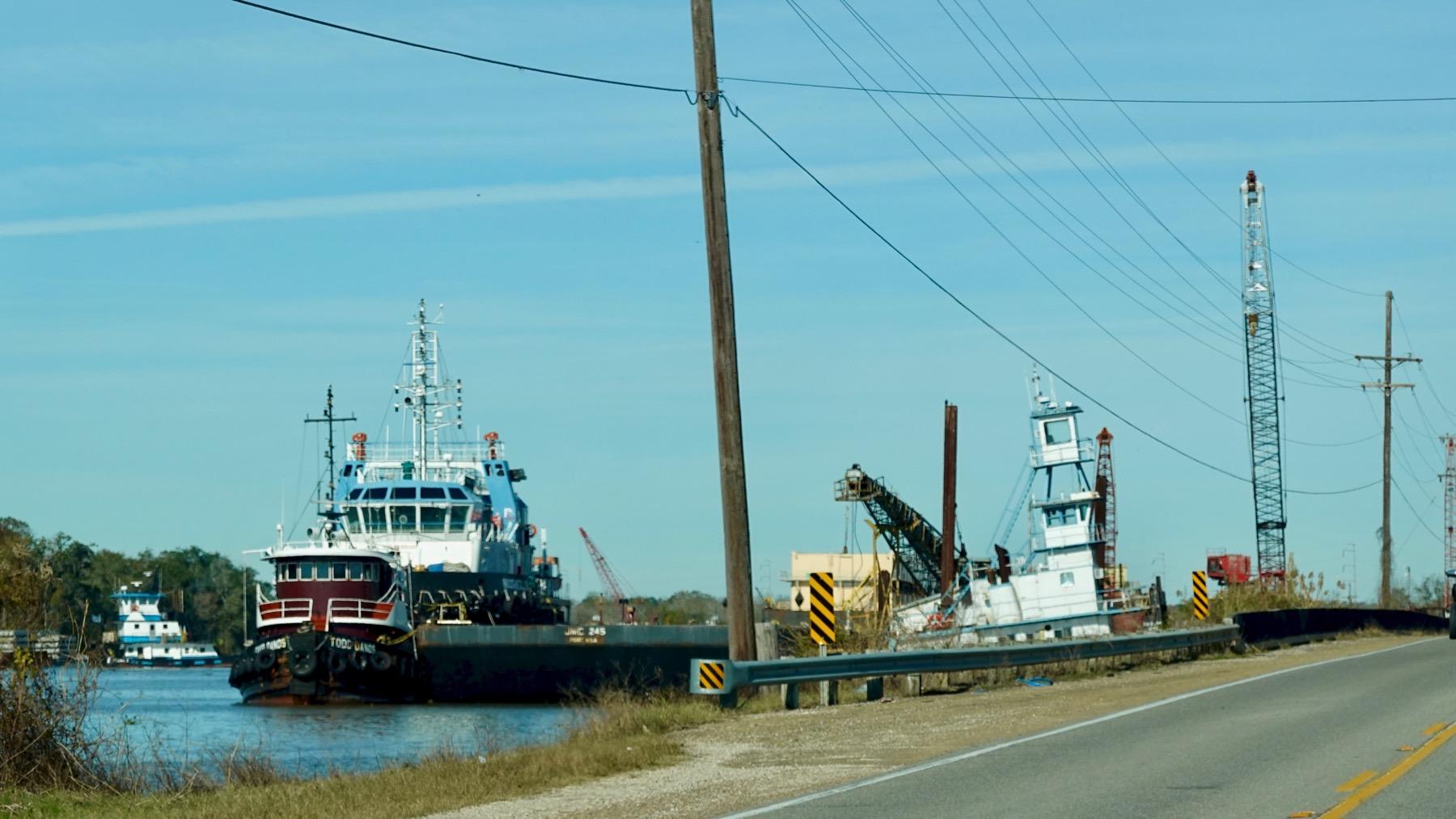 Roadside shipbuilding