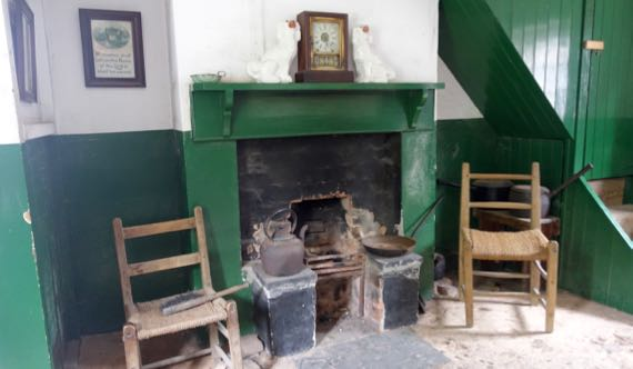 Simple rowhouse fireplace