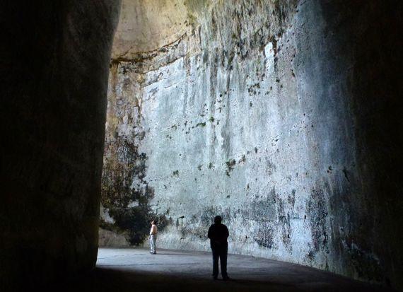 Siracusa archaeo zone Orecchio di Dionisio slave cave