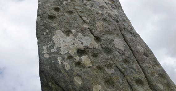 Standing stone cup marks