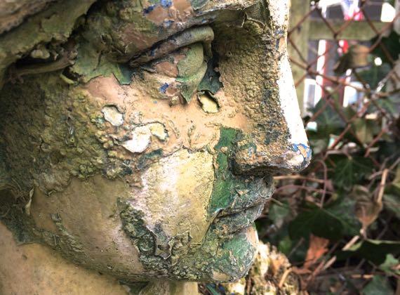 Statue skin condition