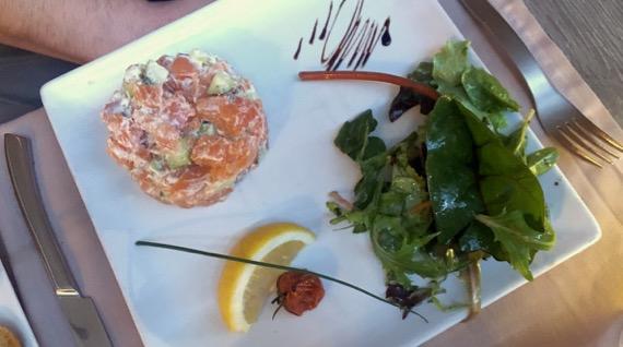 Tartare de salmon gravlax