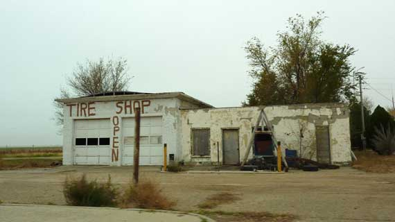 tire_shop_open.jpg